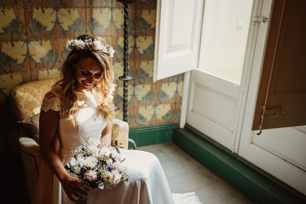 Decoración floral nupcial para boda en la playa con estilo mediterráneo en Btakora Lounge Restaurant de Barcelona | Juanjo Vega, Fotógrafo de bodas en la playa en Barcelona, Tarragona y Girona